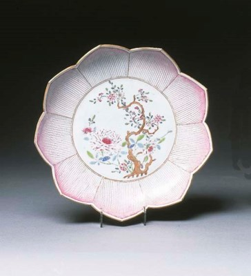 A famille rose lotus form dish