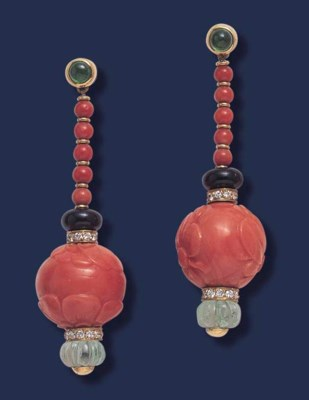 * A PAIR OF CORAL, EMERALD AND