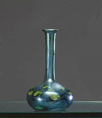 A DECORATED FAVRILE GLASS CABI