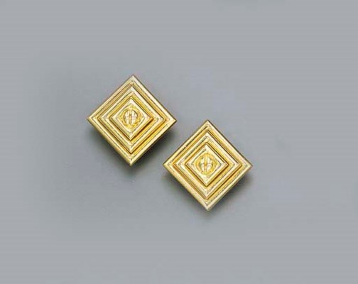 A PAIR OF GOLD EAR CLIPS, BY A