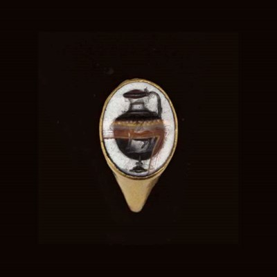 A ROMAN GOLD AND BANDED AGATE