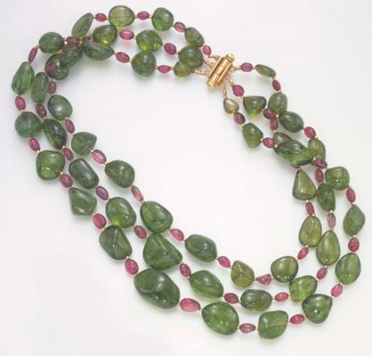 A THREE-STRAND PINK AND GREEN