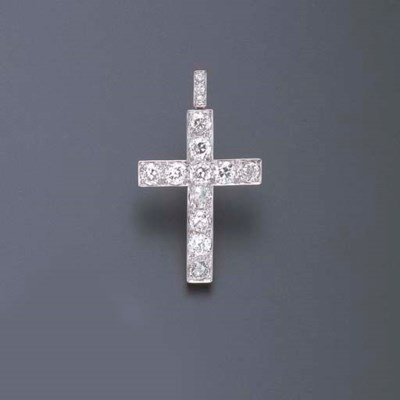 AN ANTIQUE DIAMOND CROSS PENDA