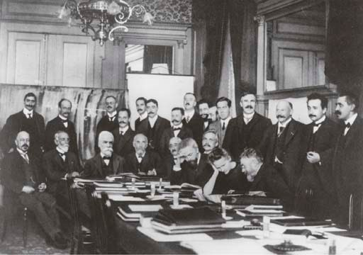 [SOLVAY CONFERENCES]. Rapports