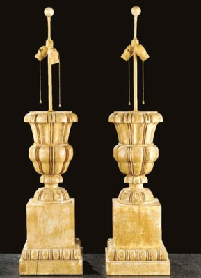 A PAIR OF NEOCLASSIC STYLE URN