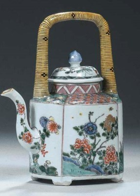 A famille verte wine-pot and c