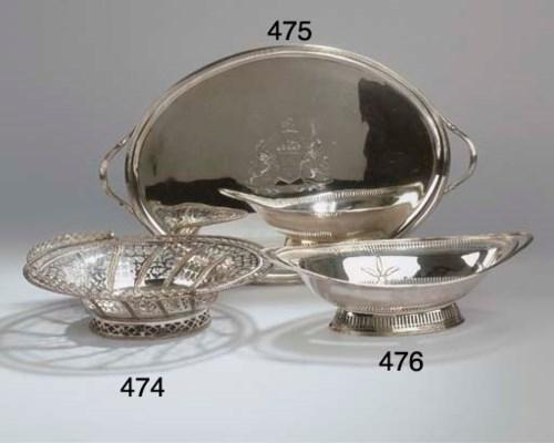 An English oval tray