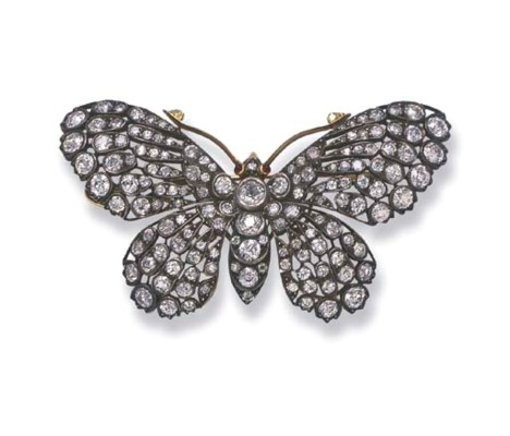 A DIAMOND BUTTERFLY BROOCH