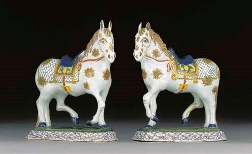 A pair of Dutch Delft models o