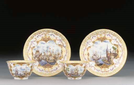 Two Meissen teabowls and sauce