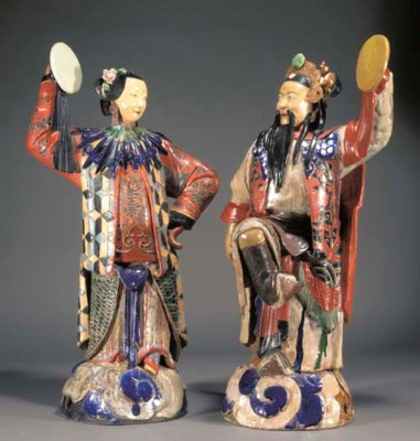 A LARGE PAIR OF CHINESE GUANDO