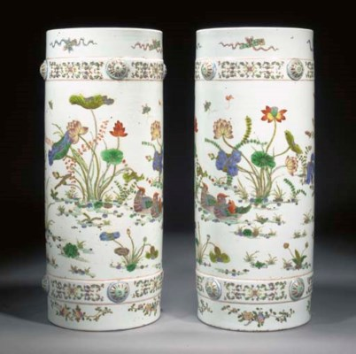 A PAIR OF FAMILLE VERTE CYLIND