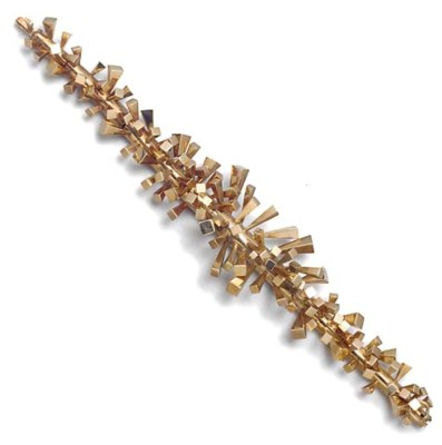 A 9ct. gold bracelet by Hamish