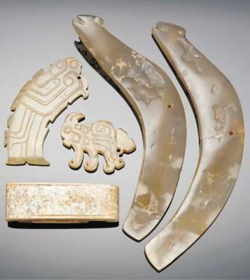 A pair of agate pendants, warr