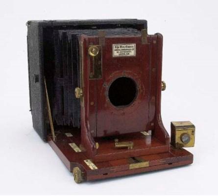 Una hand camera