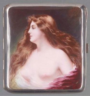 A plated cigarette case