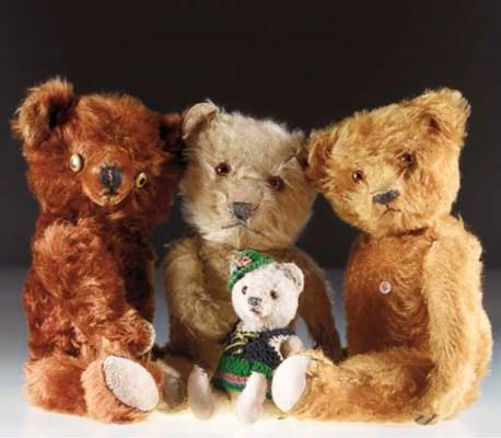 Various teddy bear