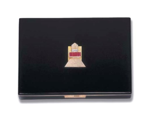 AN ART DECO ENAMEL VANITY CASE