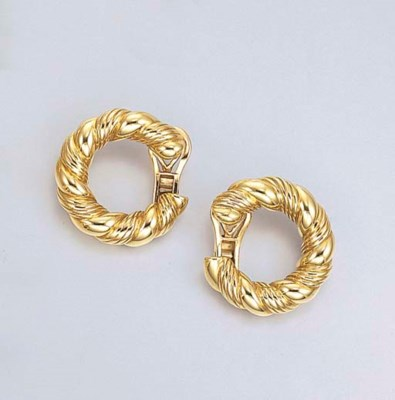 A PAIR OF GOLD EAR CLIPS, BY V