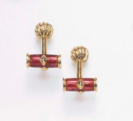 A PAIR OF RED ENAMEL AND 18K G