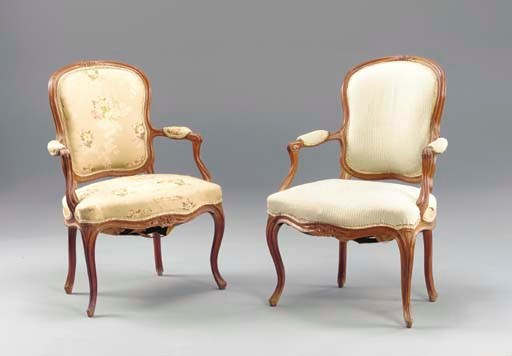 A PAIR OF BEECHWOOD FAUTEUILS,