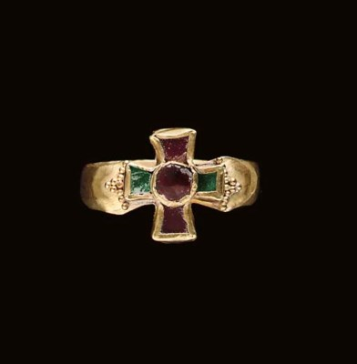 A MEROVINGIAN GOLD, GARNET AND