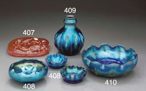 A BLUE FAVRILE GLASS SCALLOP R