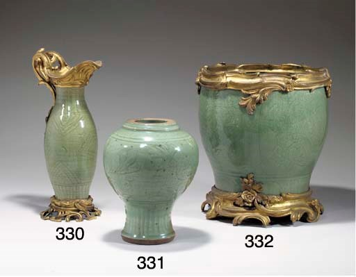 grand cache pot en gres celadon longquan chine dynastie ming xv me siecle christie 39 s. Black Bedroom Furniture Sets. Home Design Ideas