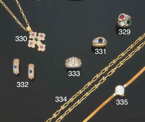 Paio di orecchini in oro con z