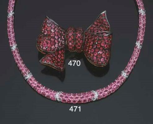 Collana in oro, zaffiri rosa e