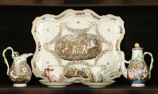 (8)A Capodimonte-style porcela