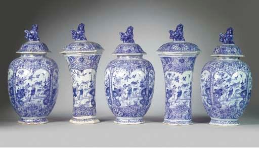 (10) A Dutch Delft blue and wh