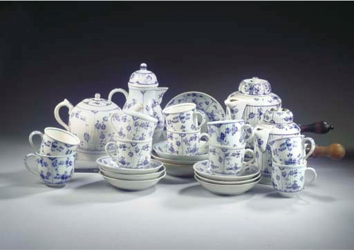 (28) An assembled porcelain bl