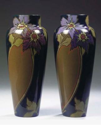 (2) A pair of glazed pottery v
