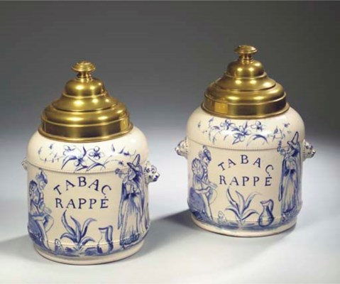 A pair of Delftware blue and w