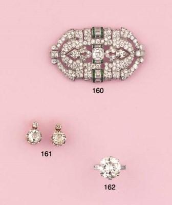 A PAIR OF ANTIQUE DIAMOND EARC