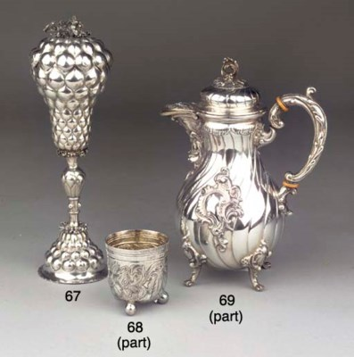 (5)  An English silver teaserv