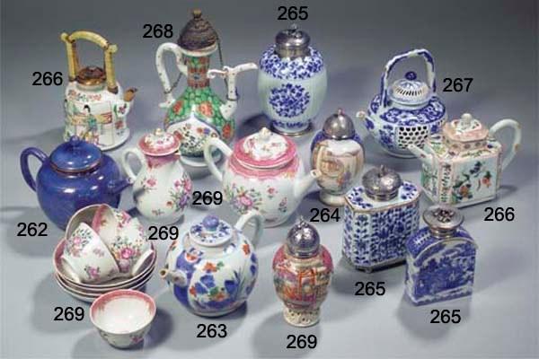 A famille verte teapot and var