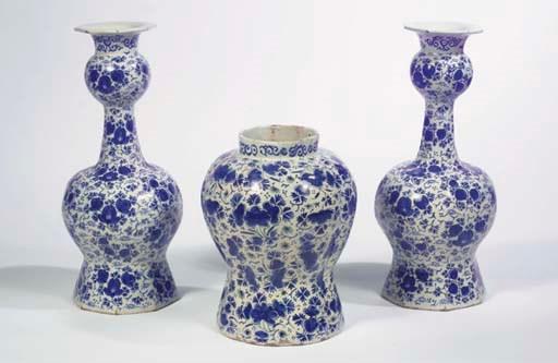 (3) A Dutch Delft blue and whi