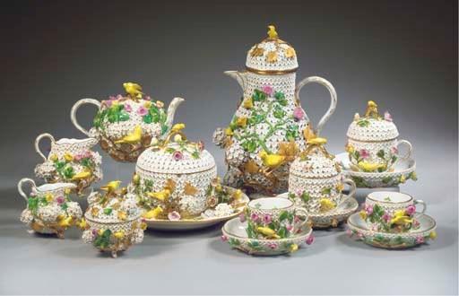(21) A Meissen porcelain Schne