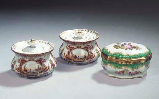 A Meissen pattern porcelain co