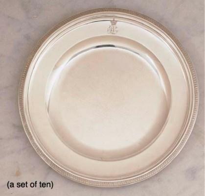 TEN DUTCH SILVER DINNER PLATES