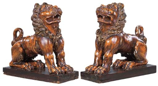 A PAIR OF ITALIAN CARVED PINE