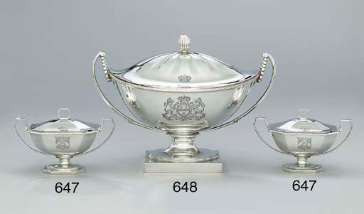 A George III silver soup-turee