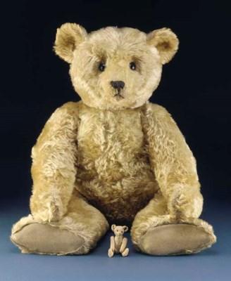 A fine large Steiff teddy bear