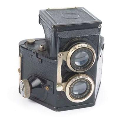 Karmaflex TLR camera