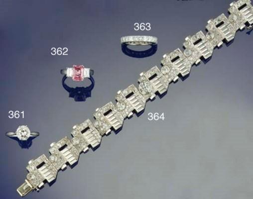 A French Art Deco diamond brac
