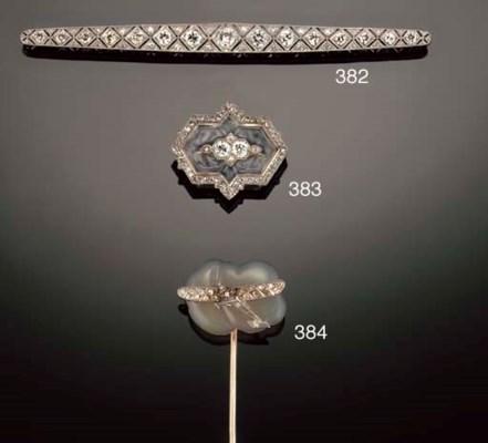 A diamond and agate novelty st