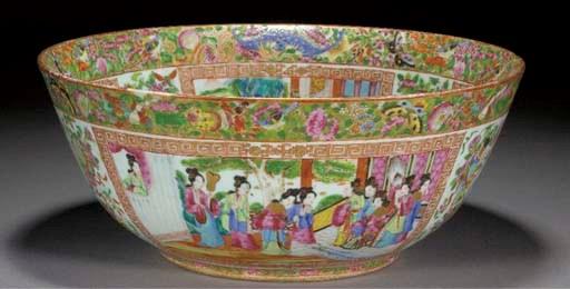 A Cantonese circular bowl, 19t
