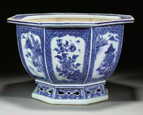 A Chinese blue and white octag